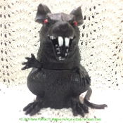 SCARY BIG FAT BLACK RAT Creepy Rodent Creature Halloween Party Horror Prop Haunted House Yard Decoration is about to attack! SEVEN-INCH TALL-Spooky Cemetery Graveyard Dungeon Mad Scientist Laboratory Zombie Decor-Durable Heavyweight, Indoor Outdoor