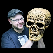 Cheap Wholesale Discount Realistic Toy Human Replica Model Anatomy FAKE SKULLS, Life Size, Miniature, Mini, Tiny Tim, Small, Large, All Sizes, GIANT SKULL, Scary Halloween Horror Spooky Haunted House Props Creepy Phony Skeleton Head Decorations