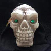 Creepy Gothic Shrunken HANGING BLACK HOODED HUMAN SKULL SHAPE LED LAMP Flashing Blinking Morphing Light-up Lighted Scary Skeleton Head Decorated with Gem Jewel Eyes -Halloween Holiday Home Decor Spooky Haunted House Prop Decoration *FREE Battery!