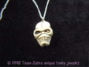 Funky Creepy Severed Walking Dead ZOMBIE HEAD SKELETON SKULL PENDANT NECKLACE Gothic Headhunter Grim Reaper Pirate Cosplay Novelty Costume Jewelry