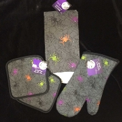 Halloween Theme Gothic Spooky Spiderweb Scene - DISH CLOTH HAND TEA TOWEL POT HOLDERS OVEN MITT - Kitchen Dining Bar Costume Party Display Hostess Gift SET - Gray Black Purple Orange Green Haunted House Spiders with Web Printed Decorations - 4 pieces